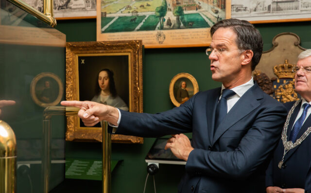 Macht, 800 jaar Binnenhof geopend!