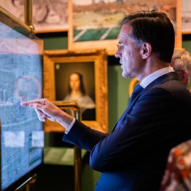 Macht, 800 jaar Binnenhof